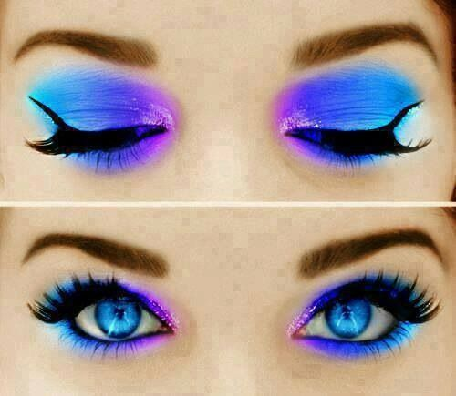 Wearing Blue Makeup on Eyes