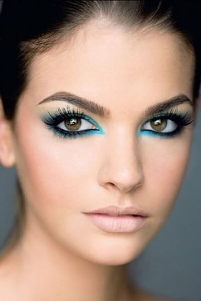 Top Makeup Hacks To Look Younger Than You Actually Are
