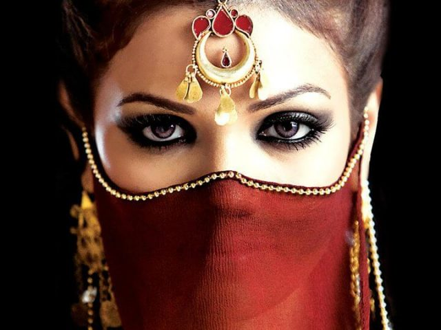 Arabic Make Up and Its Stunning Effect - My Makeup Ideas Arabian Women Eyes