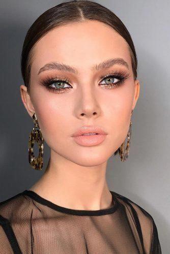 makeup ideas, PROM makeup ideas 2020, smokey eyes, pink makeup, silver makeup, silver sparkling makeup, pinmymakeupideas.com